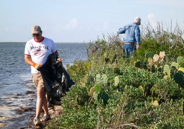 Oct 2013 Bird Island Cleanup-15_Shrum